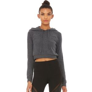 Alo Yoga Getaway Cropped Hoodie in Anthracite Hthr